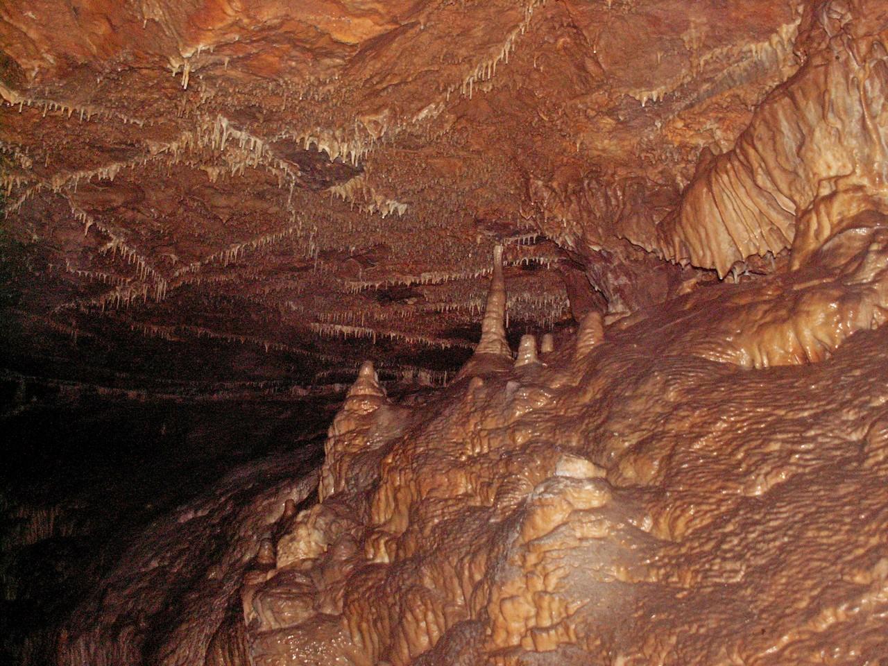 Макароны,сталактиты, сталагмиты и сталагнаты